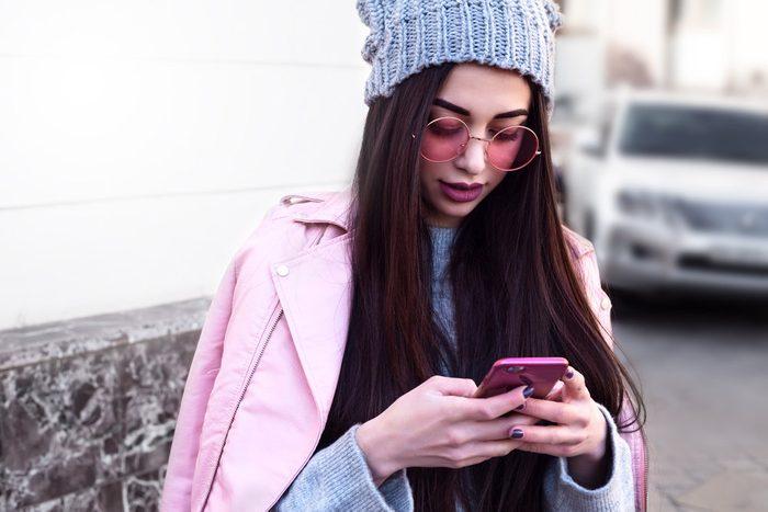 Lors d'un appel sur un cellulaire, qui écoute vraiment?