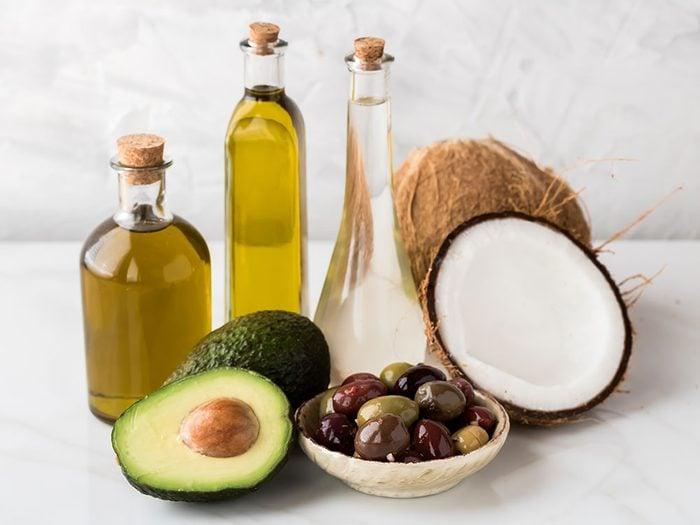 Diabète et symptômes: privilégiez les huiles d'olive, de noix et d'avocat.
