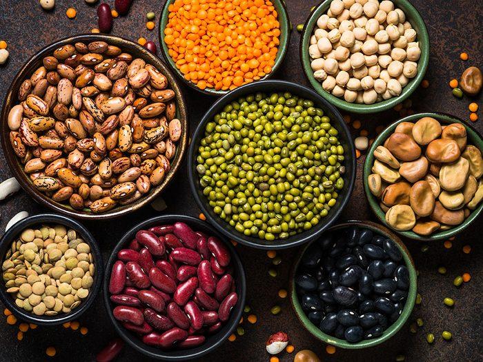 Diabète et symptômes: consommez des grains entiers, des légumineuses et autres glucides riches en fibre.
