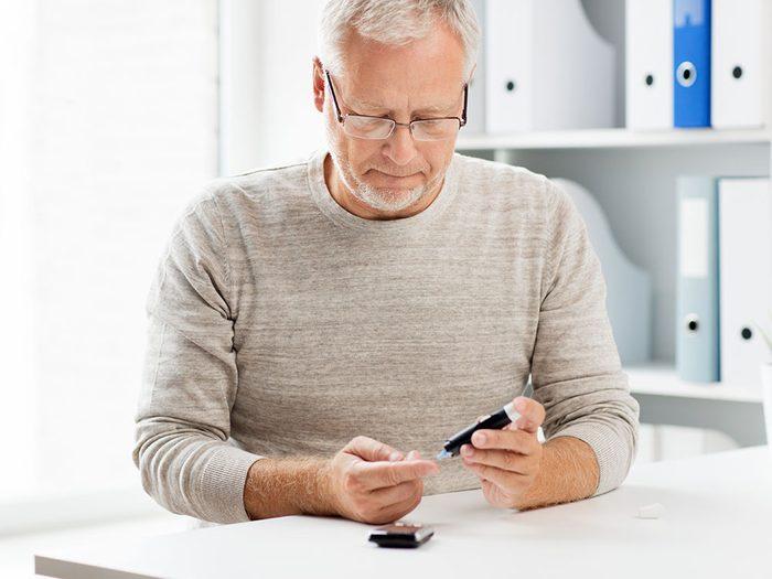 Vous risquez davantage de souffrir du prédiabète si vous êtes dans un groupe à haut risque pour le diabète de type 2.