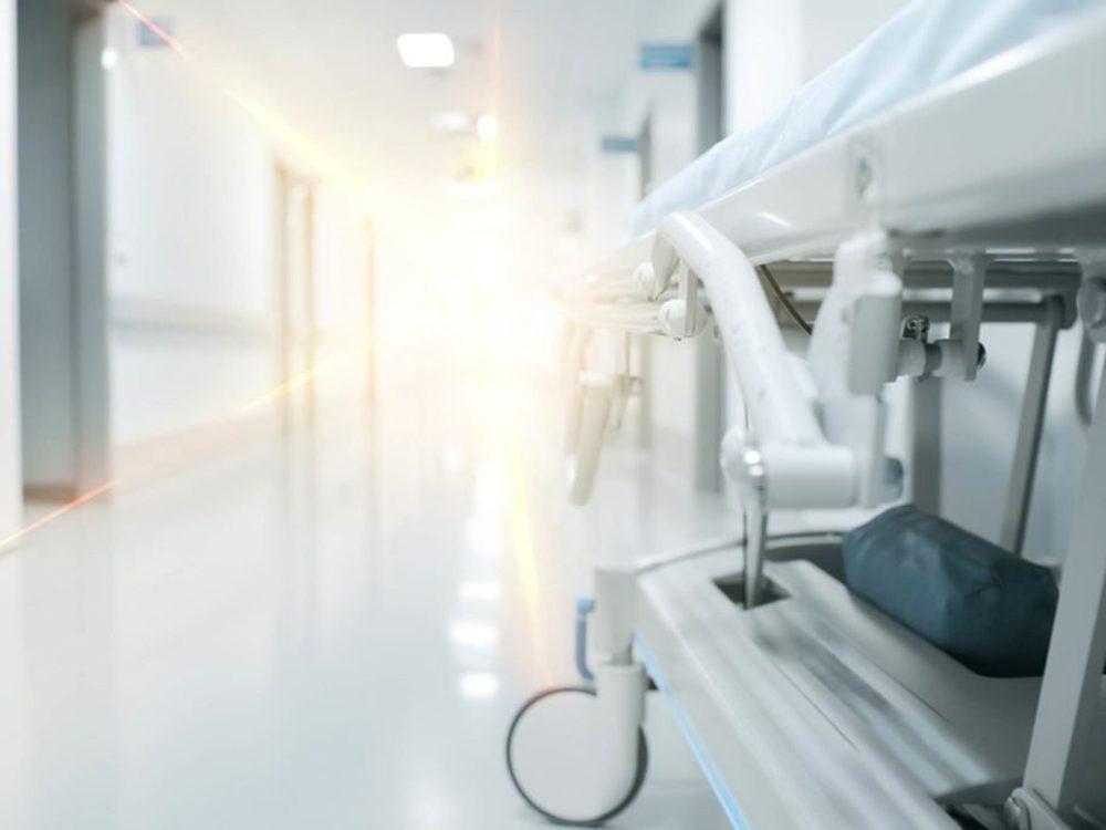 Les personnes qui vivent une expérience de mort imminente disent avoir vu une lumière vive.