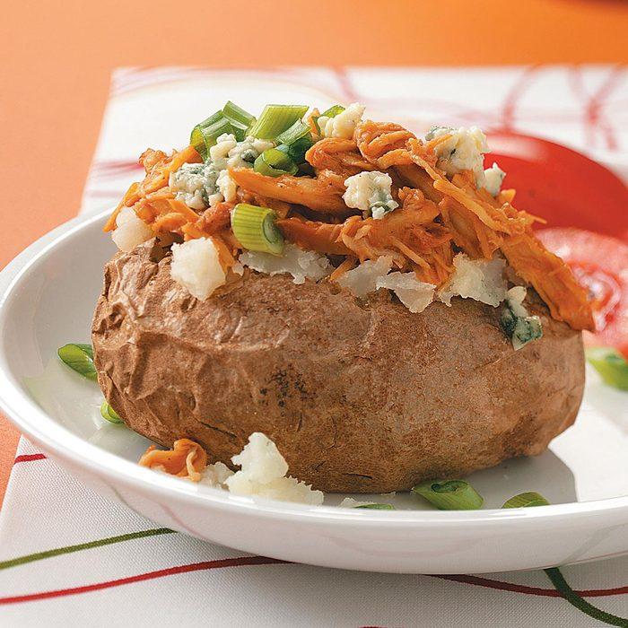 Faire cuire les pommes de terre au four à micro-ondes.
