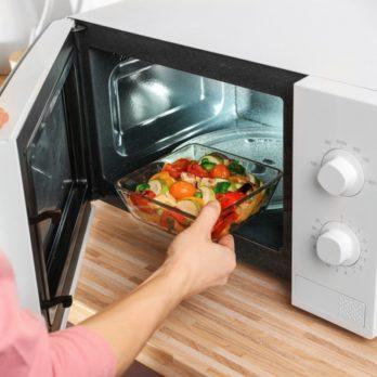 20 trucs avec le four à micro-ondes que chaque cuisinier devrait connaître