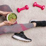 Manger avant ou après le sport? La réponse scientifique à cette question