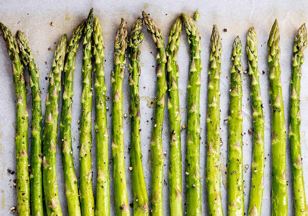 Les asperges contiennent des probiotiques.