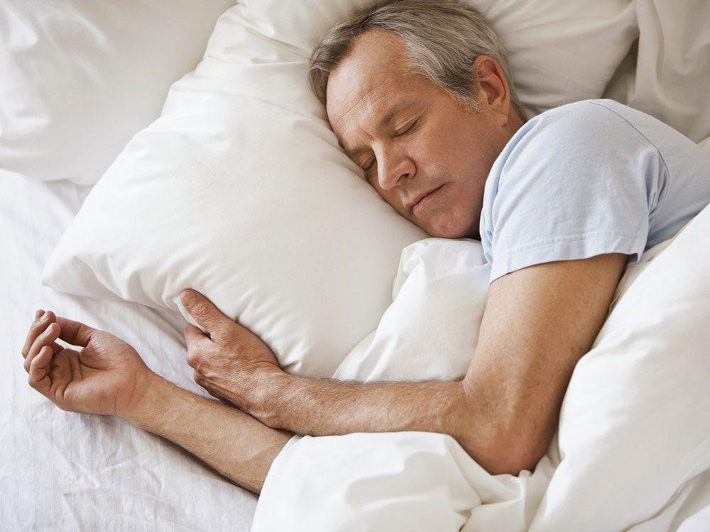 Il est important de bien dormir pour ralentir le vieillissement.