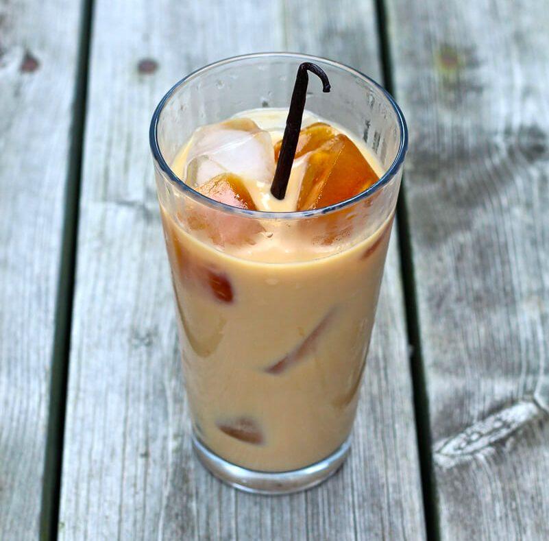 Recettes de café glacé: le latte à la vanille.