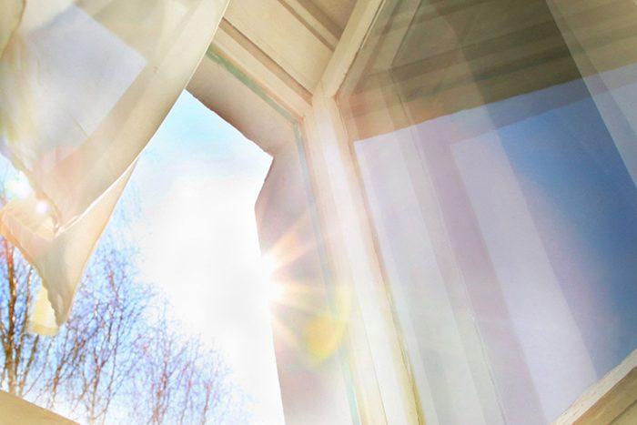 Vous pouvez refroidir une pièce sans clim avec des rideaux réfrigérants.
