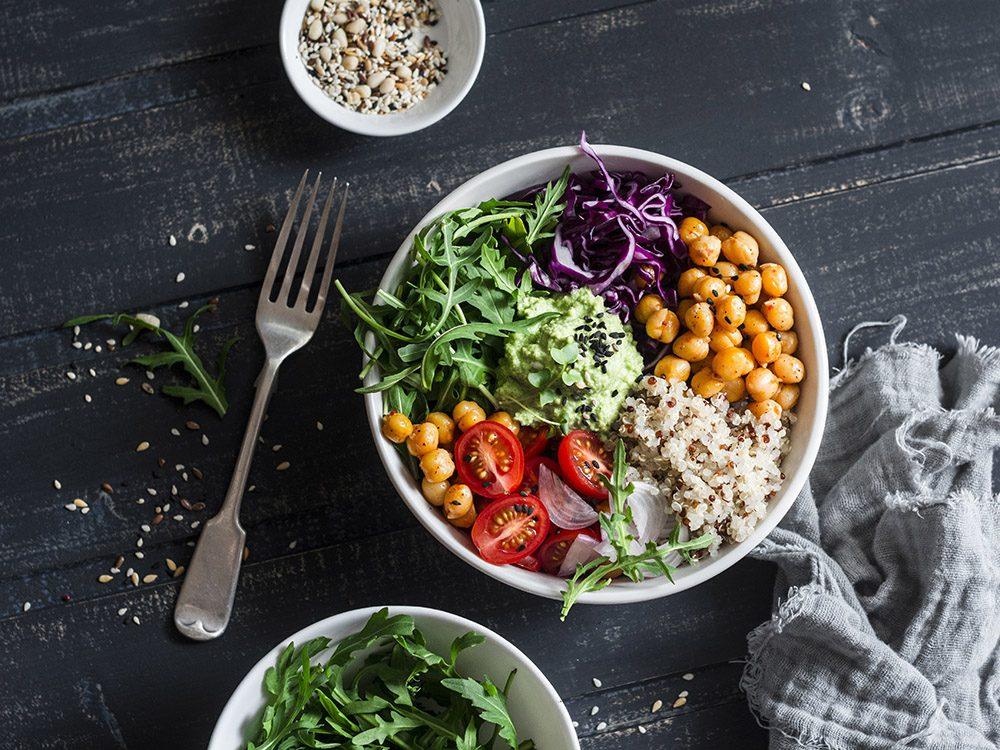 Manger uniquement végétarien ou végétalien est un sujet de santé controversé.