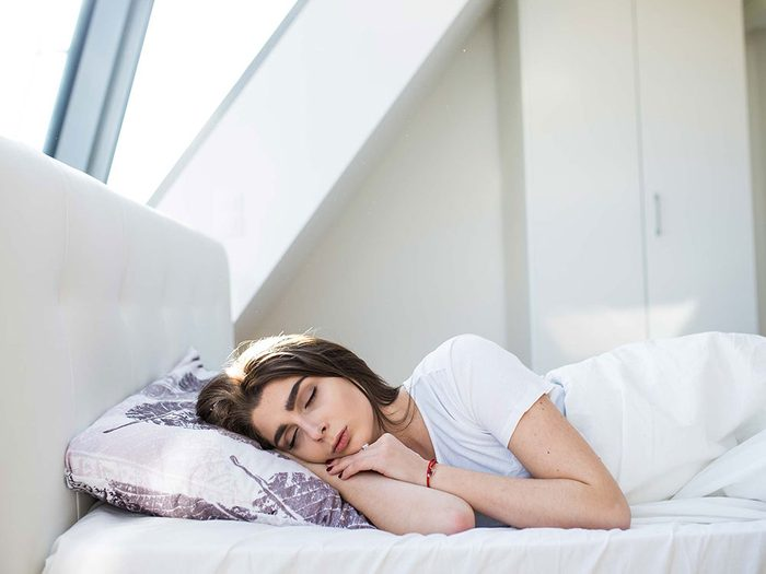 Être toujours fatigué à cause des maladies rénales.
