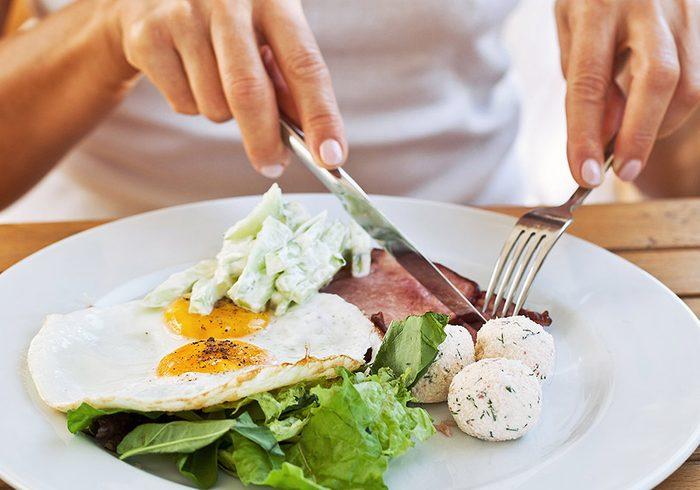 Combien nous faut-il de protéines?