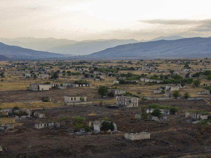 La ville d'Agdam en Azerbaïdjan est l'un des lieux abandonnés dans le monde.