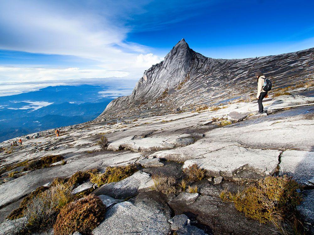 Le mont Kinabalu en Malaisie est l'une des 10 attractions incontournables.