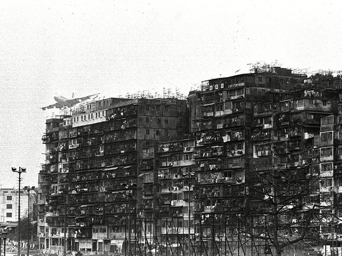 Parmi les lieux abandonnés dans le monde, on retrouve la citadelle de Kowloon à Hong Kong.