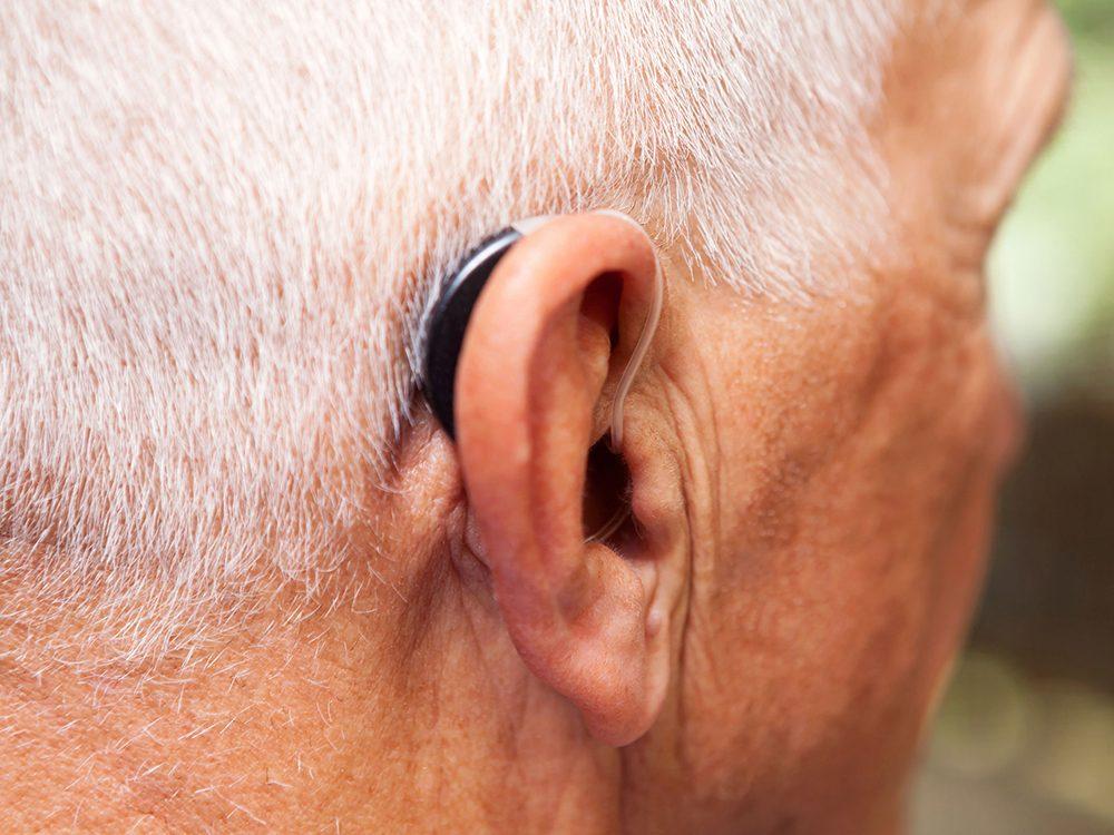Il pourrait y avoir un lien entre la démence et la perte de l'ouïe.