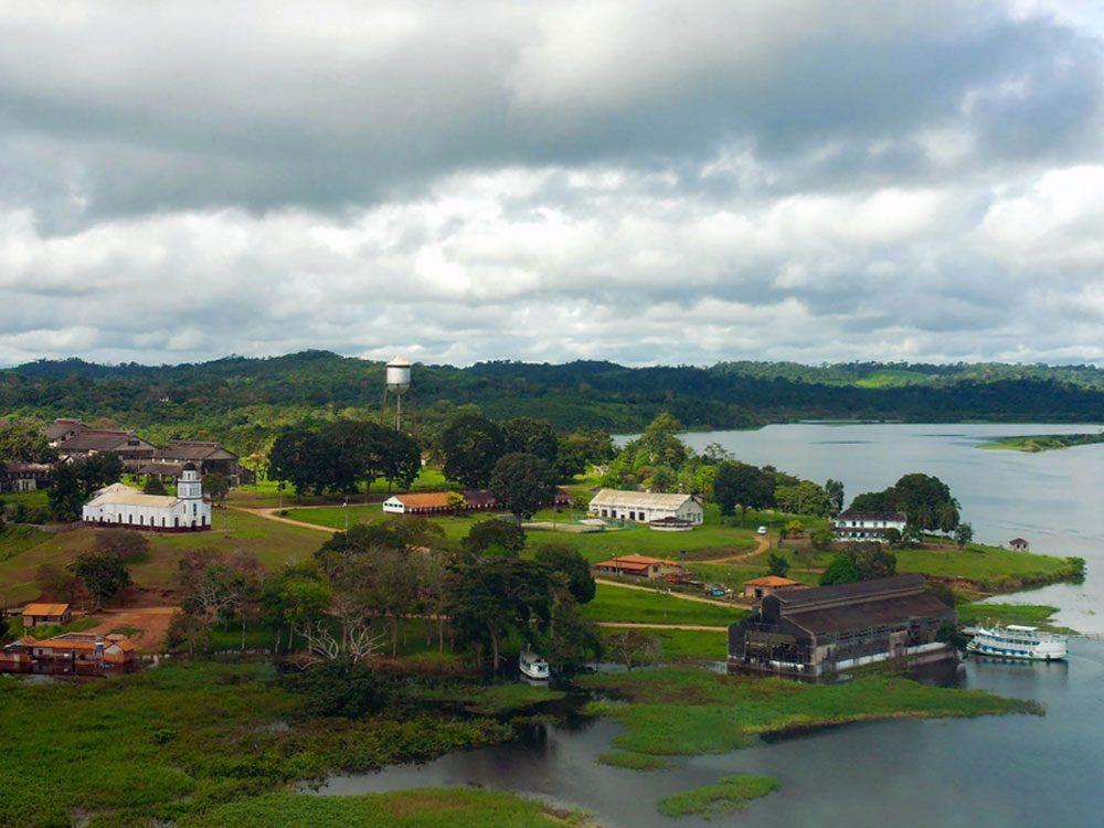 La ville de Fordlândia au Brésil est l'un des lieux abandonnés dans le monde.