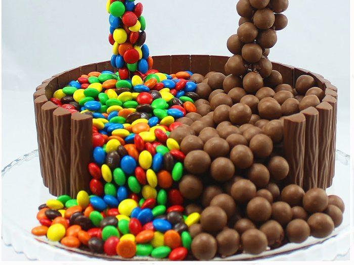 Apprenez à faire ce gâteau antigravité.