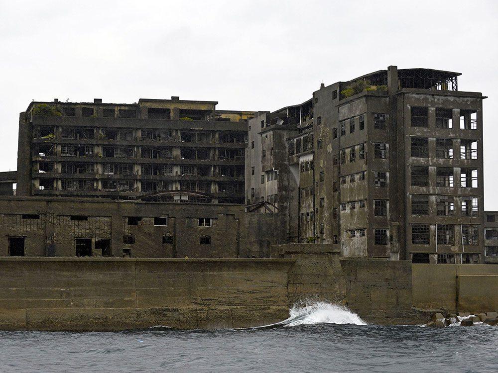 L'île d'Ha-shima au Japon est l'un des lieux abandonnés dans le monde.