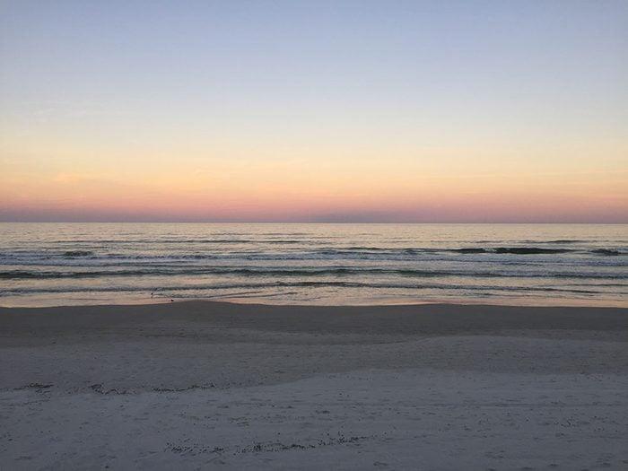 La plage de New Smyrna en Floride est une des plus belles plages du monde.