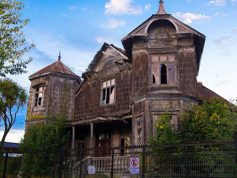 Le manoir abandonné d'Osorno au Chili aurait bien besoin d'être restaurée.