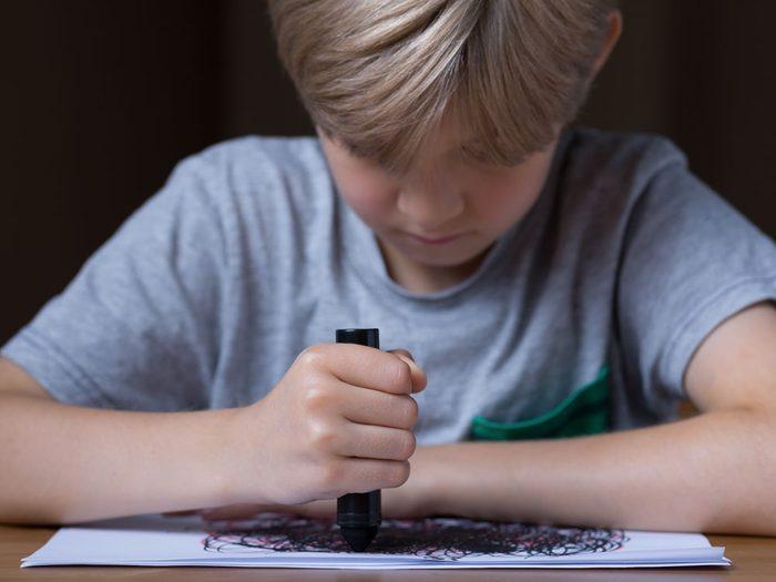 Ovni : l'histoire des dessins de l'école primaire de Broad Haven.