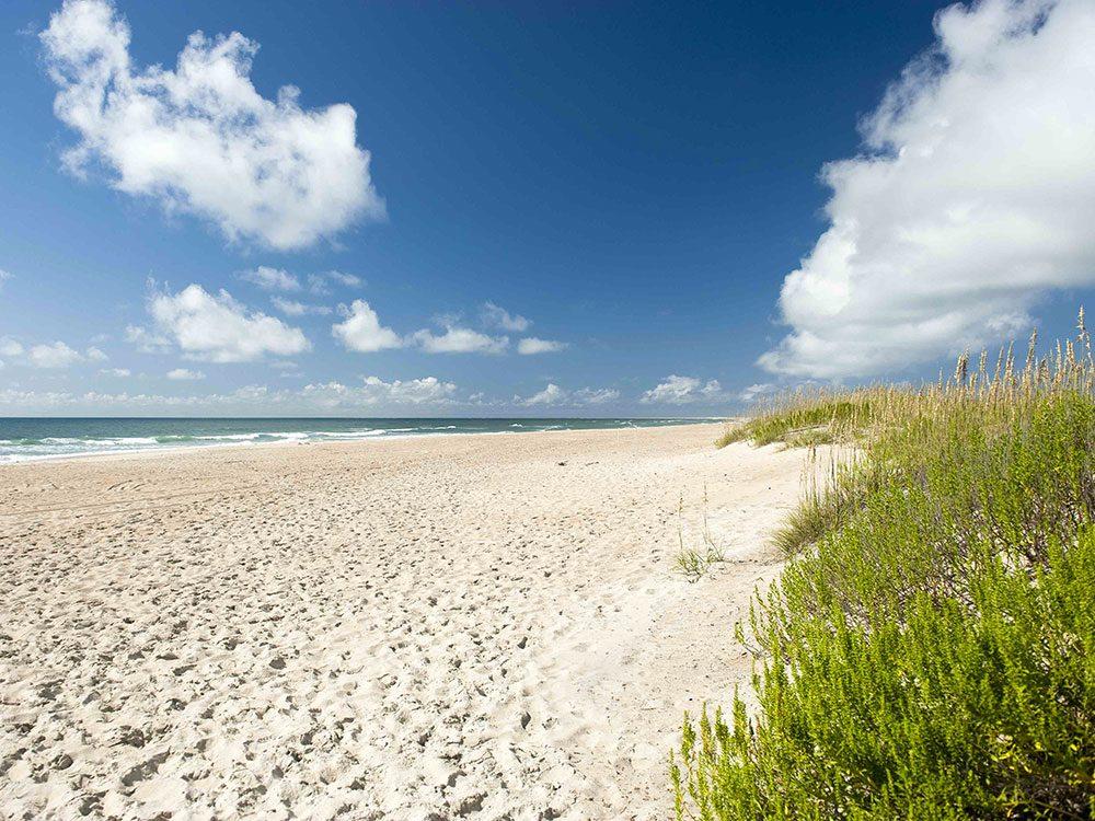 La plage de Cape Lookout National Seashore en Caroline du Nord est une des plus belles plages du monde.