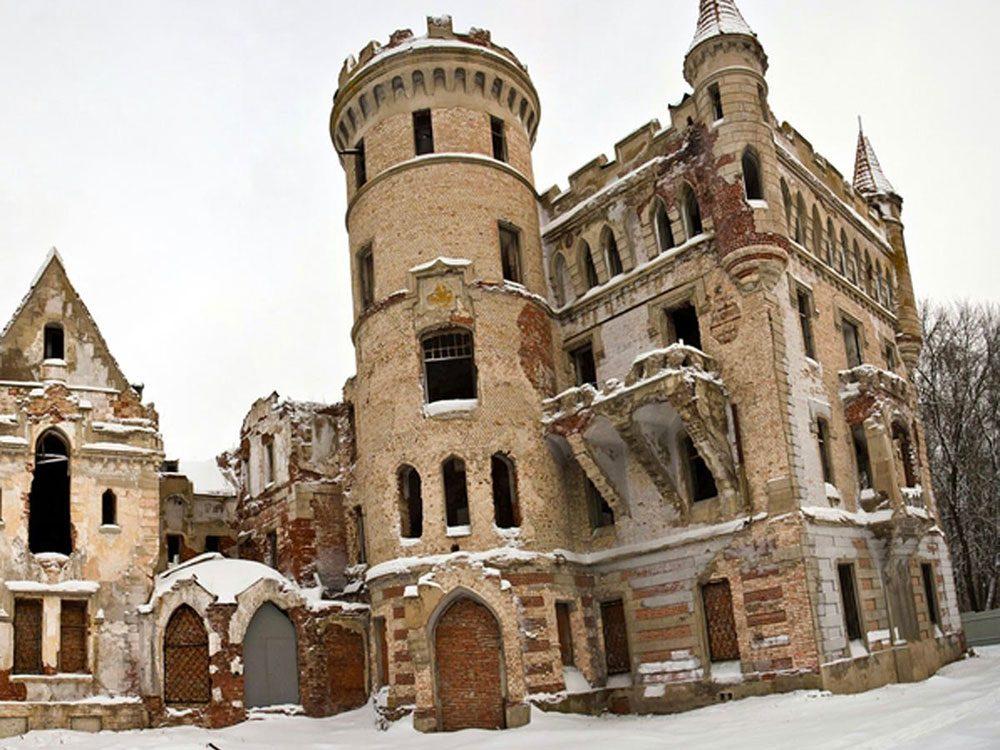 Le château abandonné d'un comte russe.