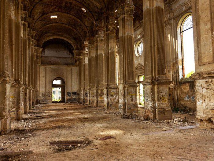 L'église luthérienne en Ukraine est l'un des lieux abandonnés dans le monde.