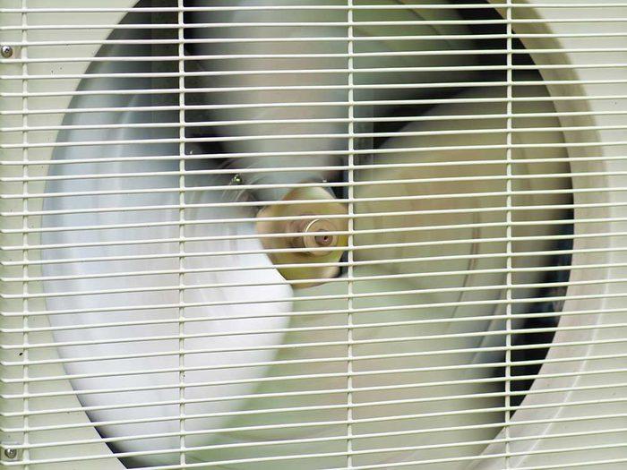 Le débit ou le flux d'air, peut-il être contrôlé quand on achète un climatiseur.