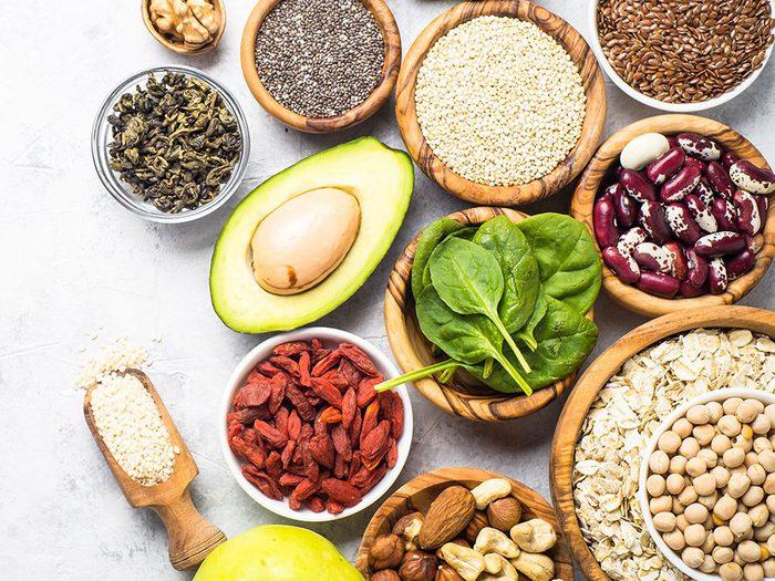 On peut soulager la constipation par des ajustements alimentaires.
