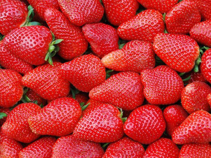 es fraises font partie des aliments riches en antioxydants.