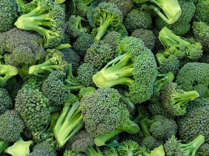 Le brocoli fait partie des aliments riches en antioxydants.