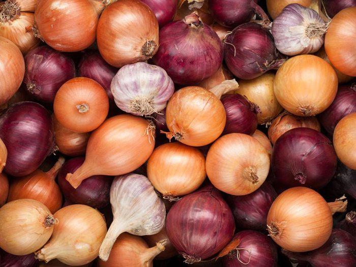 Les oignons font partie des aliments riches en antioxydants.