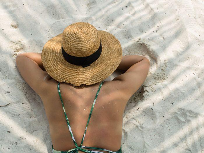 Cancer de la peau: le mythe du «bronzage de base».