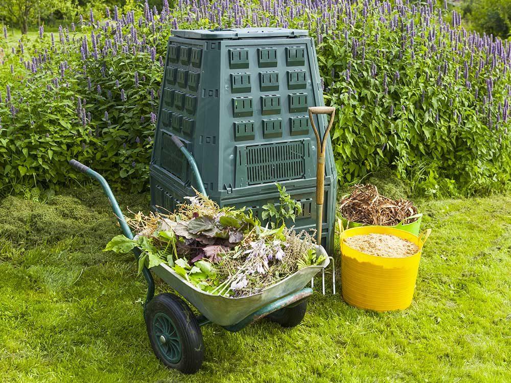 Conseils pour jardiner : faire du composte.