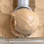 Crème glacée maltée aux tourbillons de caramel de soya