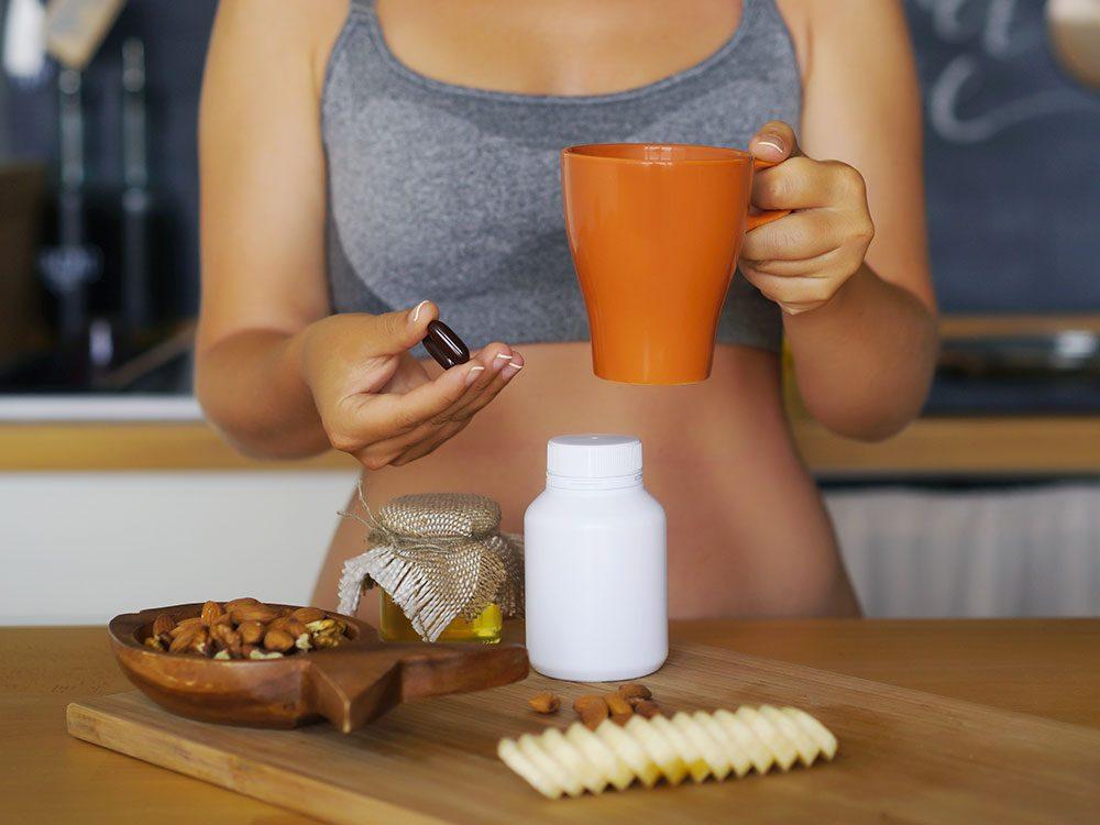 Pour améliorer les effets des vitamines, prenez-les en mangeant.