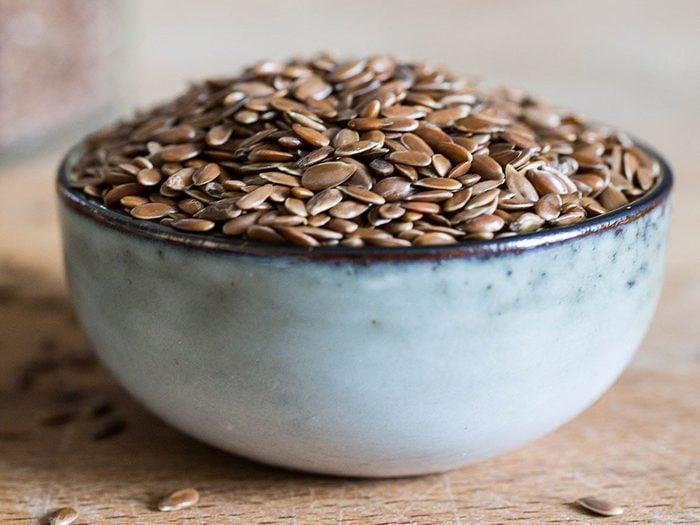 Les graines de lin peuvent améliorer votre transit intestinal.