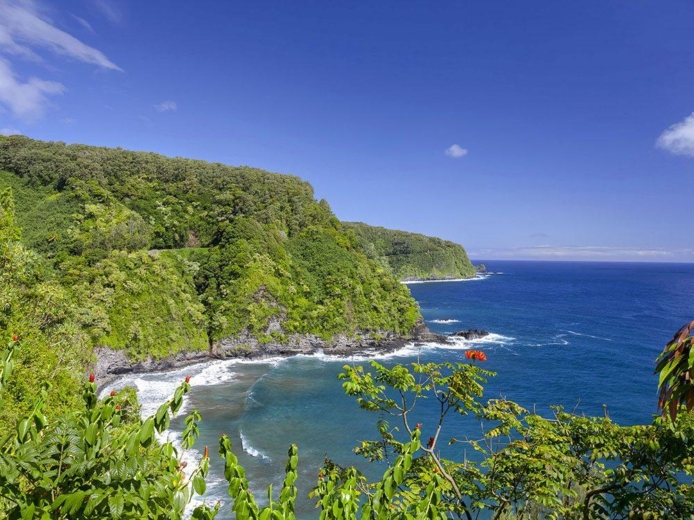 La route d'Hana à Hawaii est une route américaine incontournable.