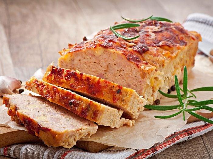 Le pain de viande est l'un des mets traditionnels Canadiens.