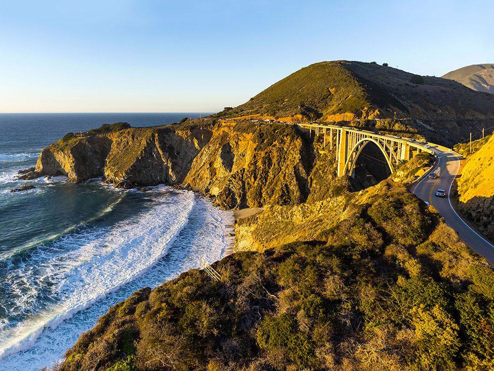 La route Pacific coast highway est l'une des routes américaines incontournables.