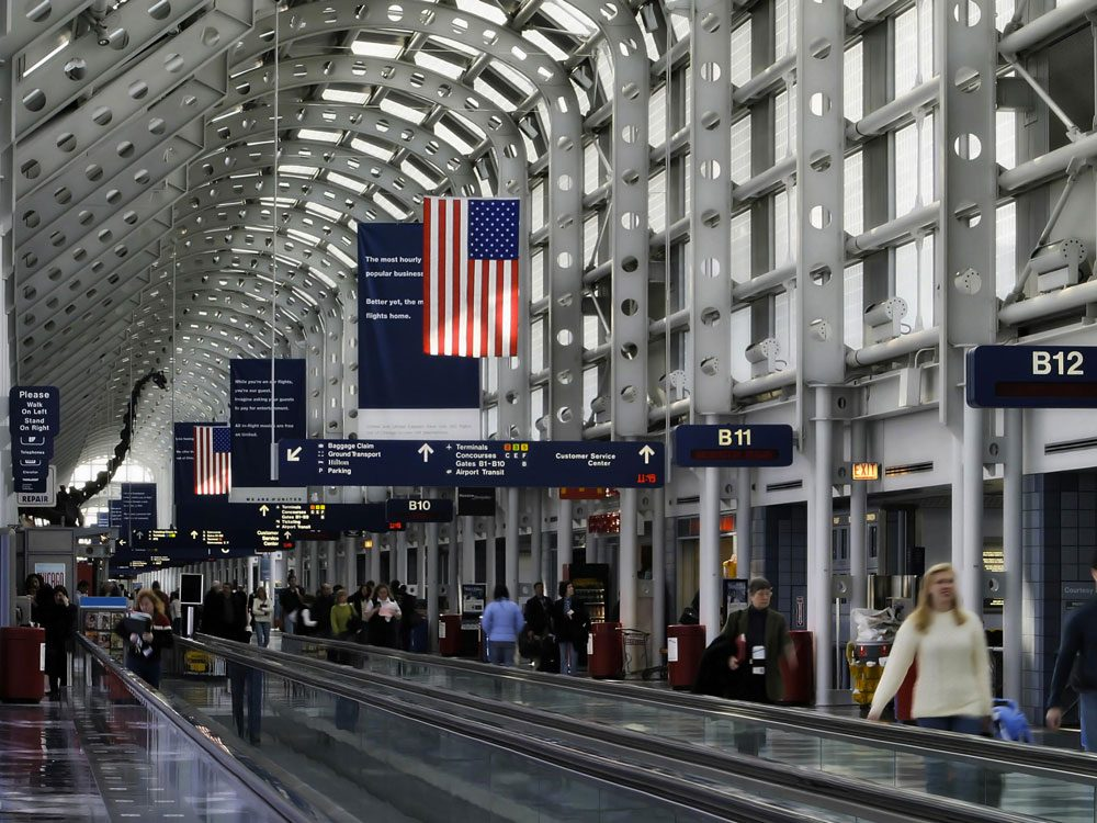 Ovni : la soucoupe de l'aéroport international O'Hare.