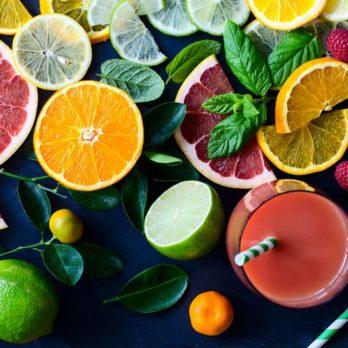 Substituts d'ingrédients : pour de la pâtisserie santé mettez des fruits en purée à la place du sirop d'érable ou d'agave.