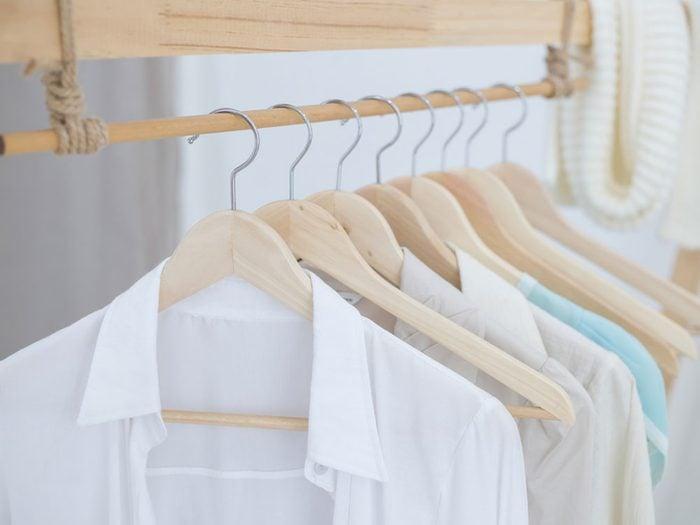Adoptez les technologies de pointe en portant des vêtements de protection solaire contre le cancer de la peau.