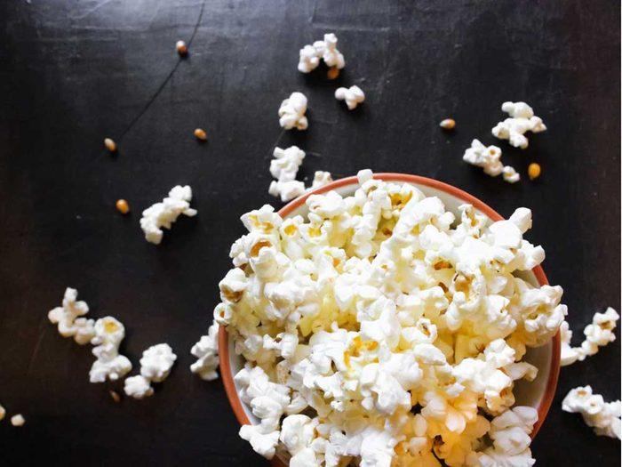 Une des erreurs que tout le monde fait en cuisant du popcorn : l'attente.