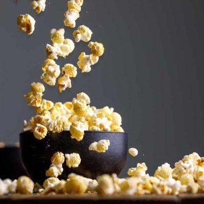 Une des erreurs que tout le monde fait en cuisant du popcorn : avoir le mauvais rythme de cuisson.