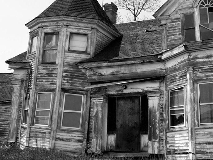 Cette maison abandonnée style Queen Anne aurait bien besoin d'être restaurée.