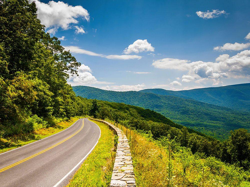 La route Skyline Drive en Virginie est une route américaine incontournable.