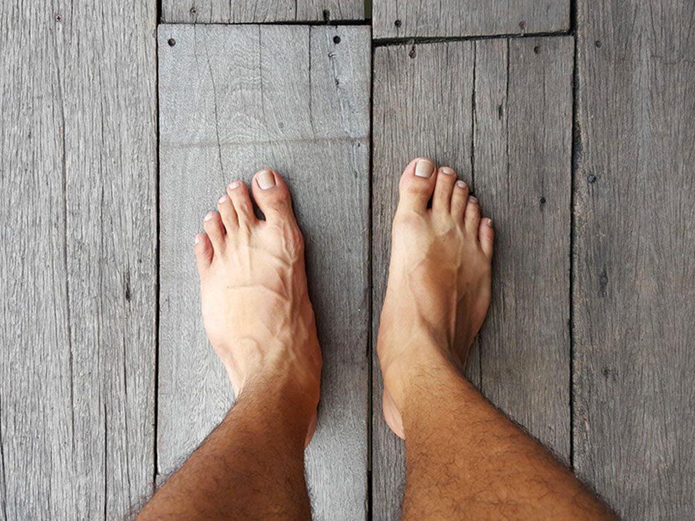 Signification des rêves : Vous ne portez pas de chaussures.