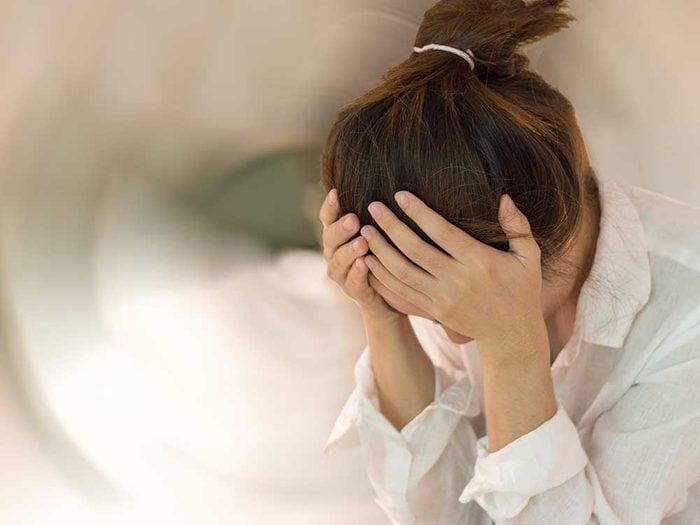Vertiges ou évanouissements sont des symptômes de maladie.